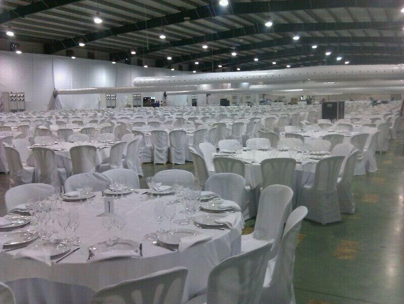Cenas de empresa y grandes reuniones