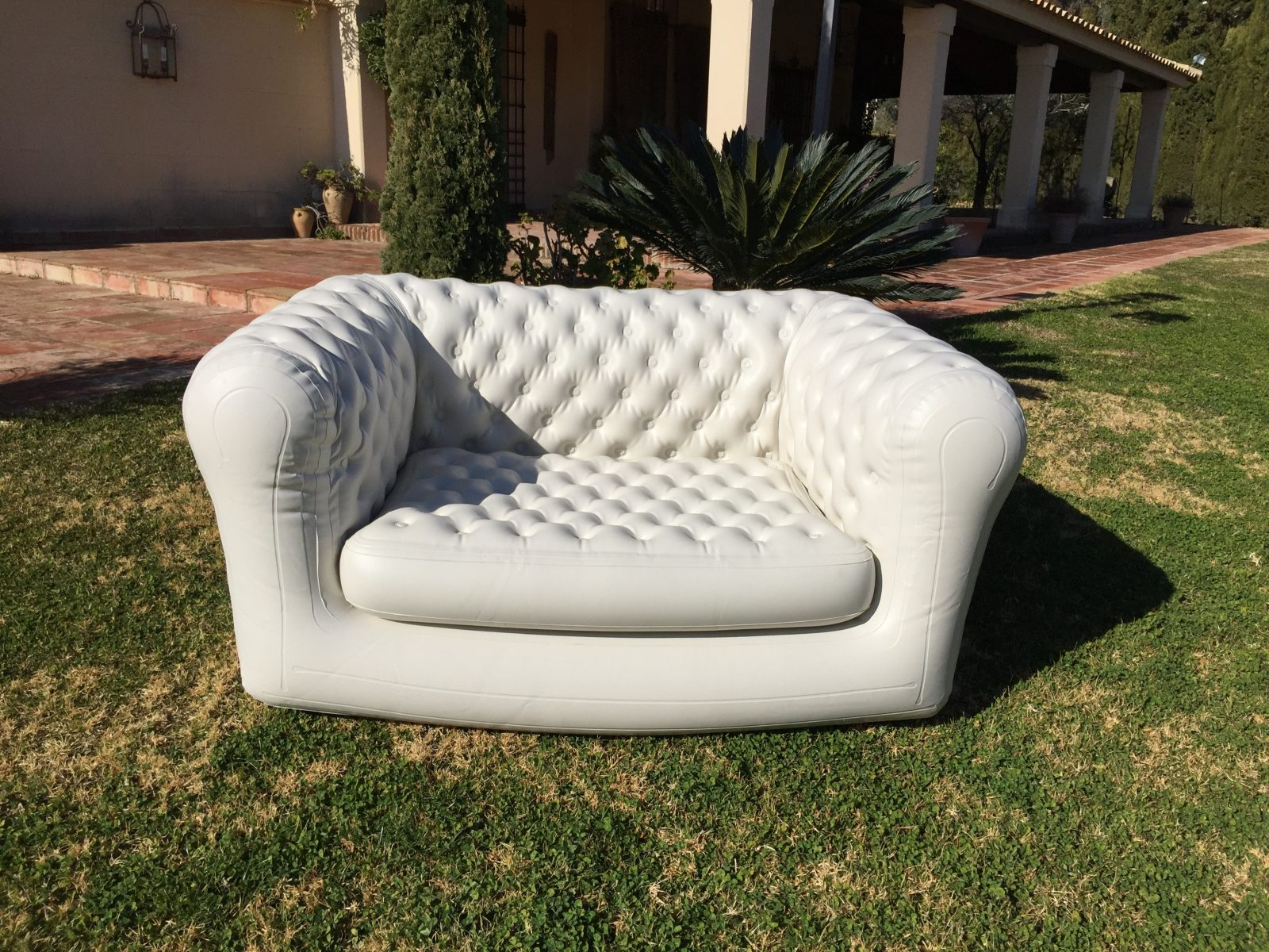 Sofá Chesterfield hinchable