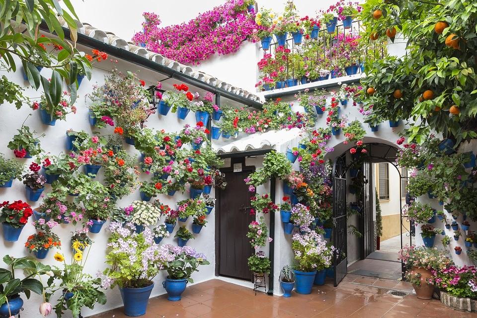 Fiesta de los patios en Córdoba. Fuente: Pixabay. com