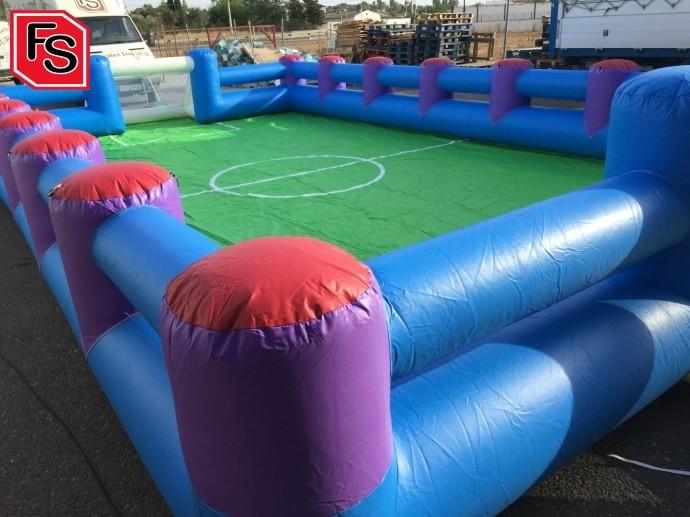 Campo de fútbol hinchable para los niños para las bodas de verano.