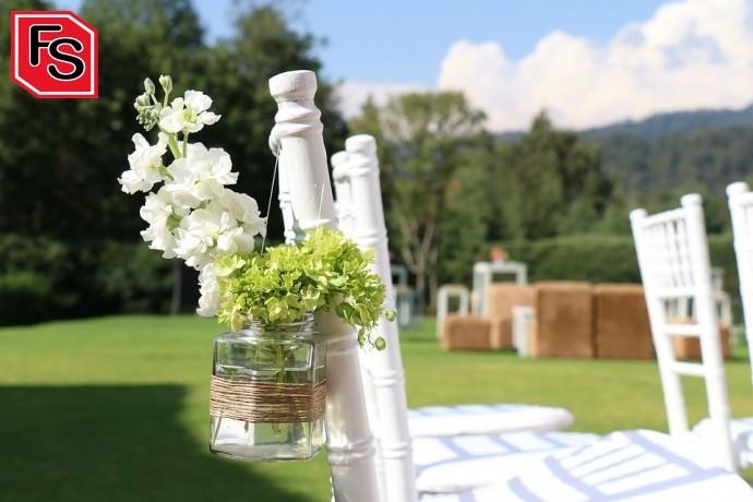 Detalle decorativo de bodas en verano.